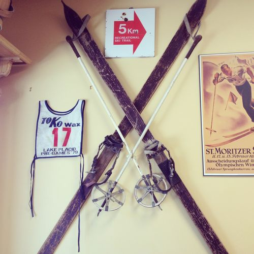 Vintage skiis