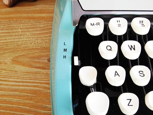 Vintage-typewriter-pressure