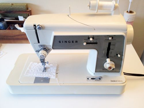 WW-Vintage-Sewing-Machine-2